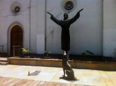 Escultura San Francisco de Asis en Iglesia la Porciúncula, Bogota. Foto: Publimetro.com